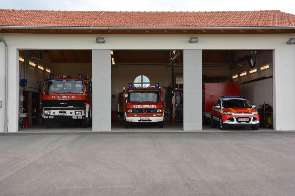 Feuerwehrhaus Garage